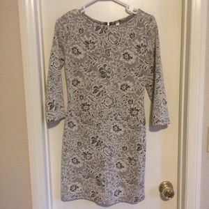 Black and white floral print dress size M